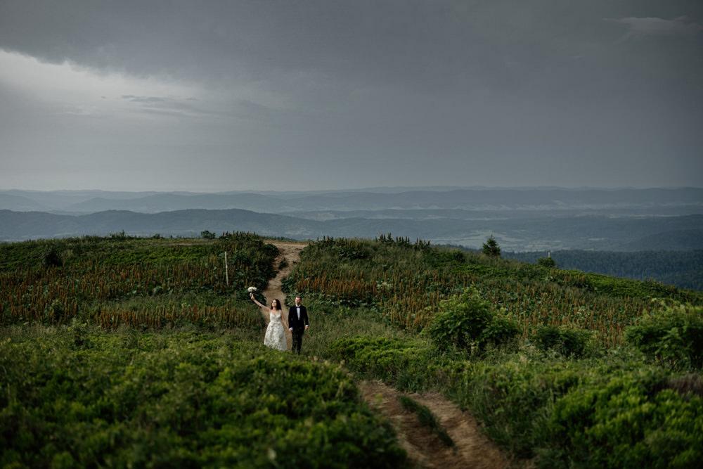 Sesja ślubna w burzowych Bieszczadach 6