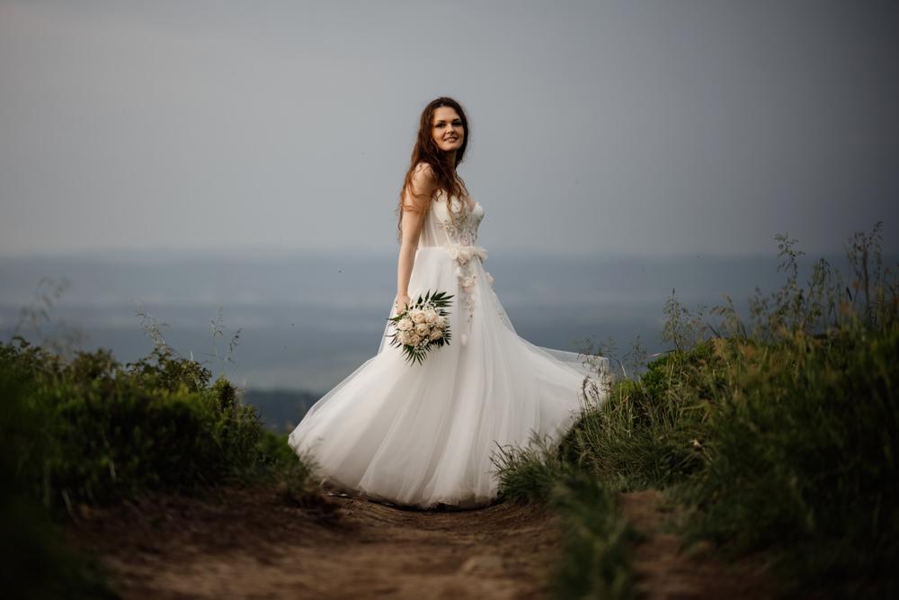 Sesja ślubna w burzowych Bieszczadach 8