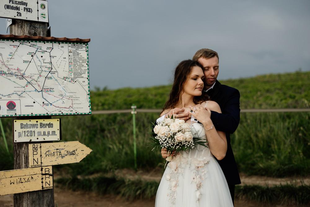 Sesja ślubna w burzowych Bieszczadach 9