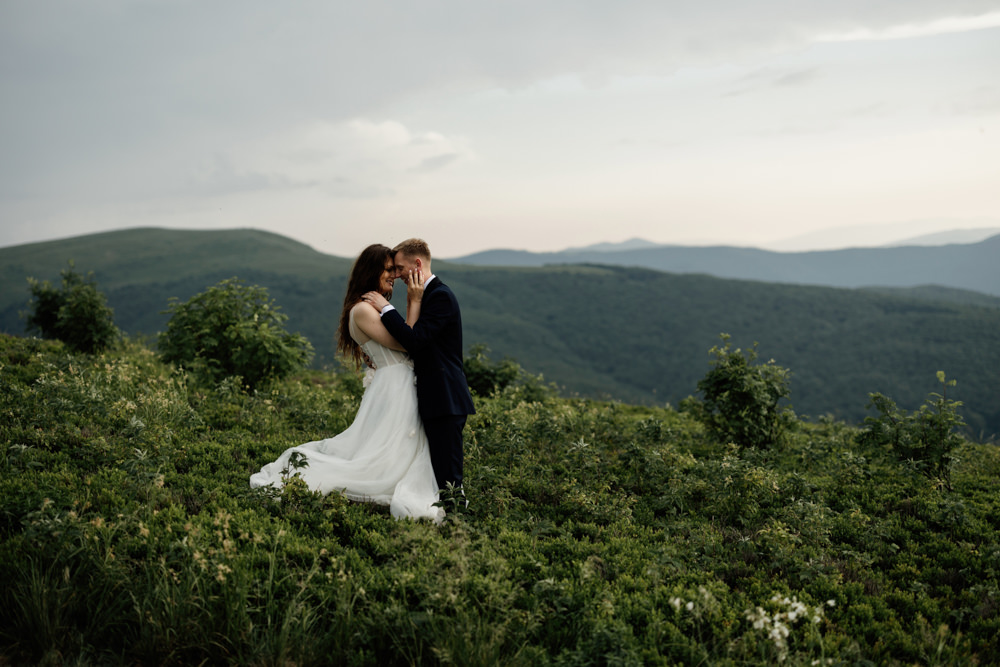 Sesja ślubna w burzowych Bieszczadach 10