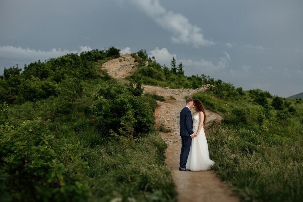 Sesja ślubna w burzowych Bieszczadach 11