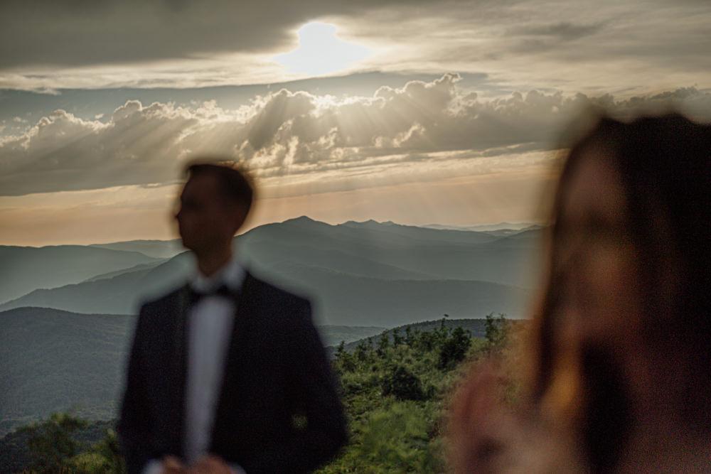 Sesja ślubna w burzowych Bieszczadach 17