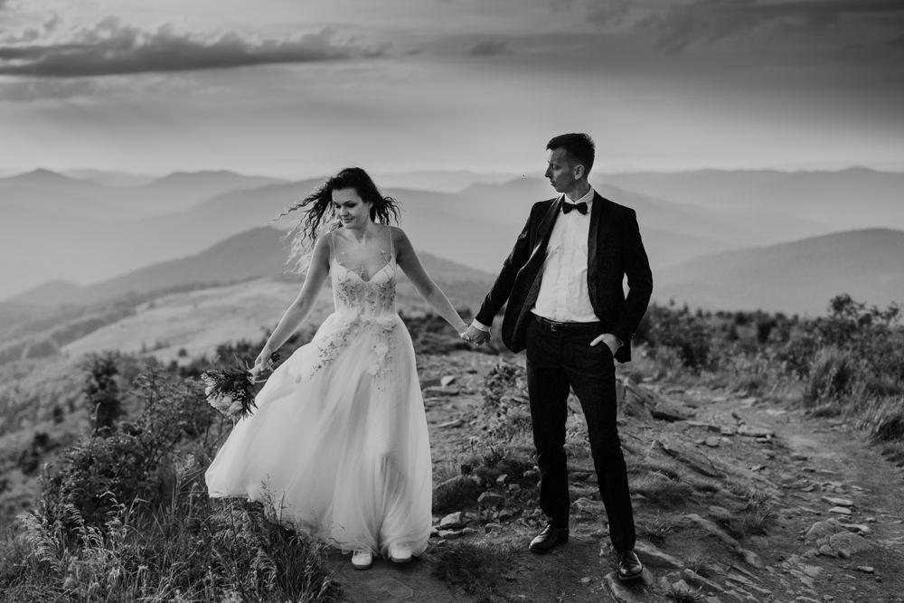 Sesja ślubna w burzowych Bieszczadach 23