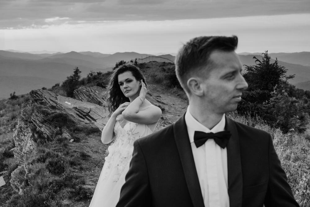 Sesja ślubna w burzowych Bieszczadach 29