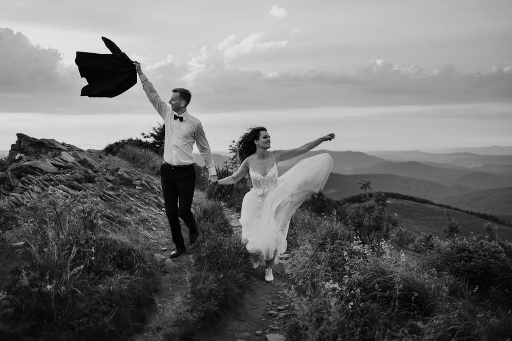 Sesja ślubna w burzowych Bieszczadach 30