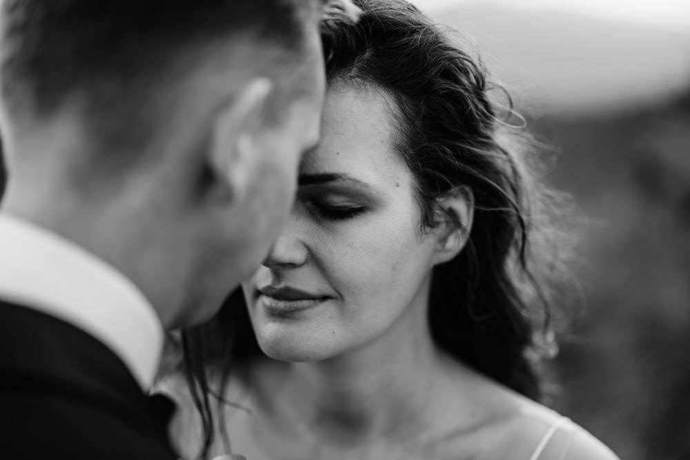 Sesja ślubna w burzowych Bieszczadach 33