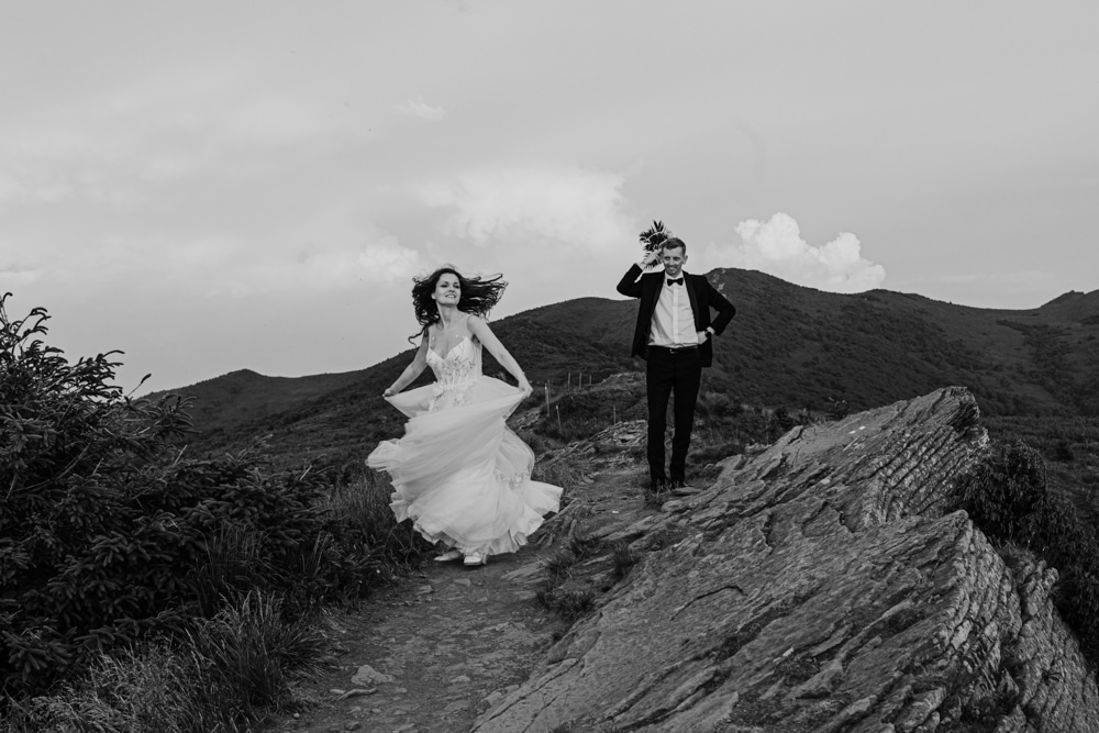 Sesja ślubna w burzowych Bieszczadach 38