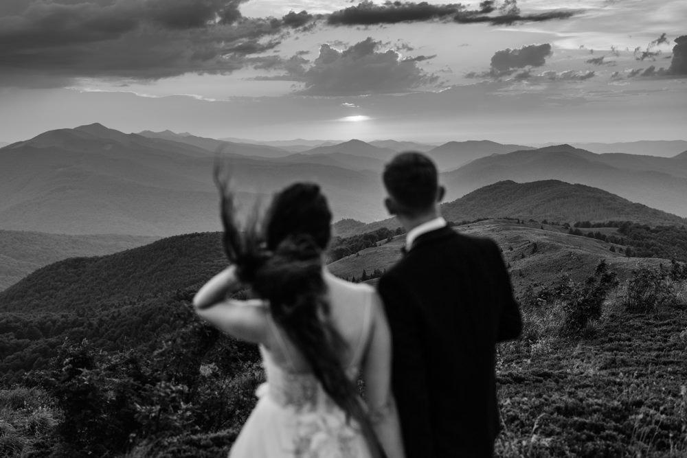 Sesja ślubna w burzowych Bieszczadach 41
