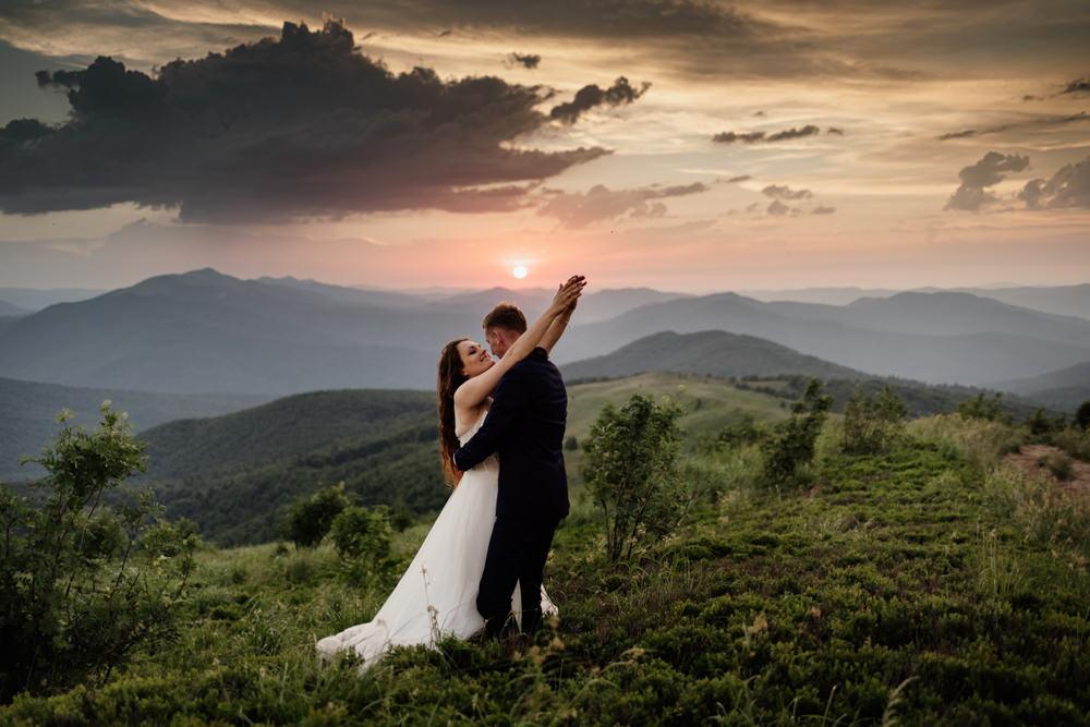 Sesja ślubna w burzowych Bieszczadach 44